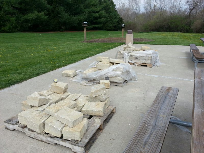1 1/2 tons of stone