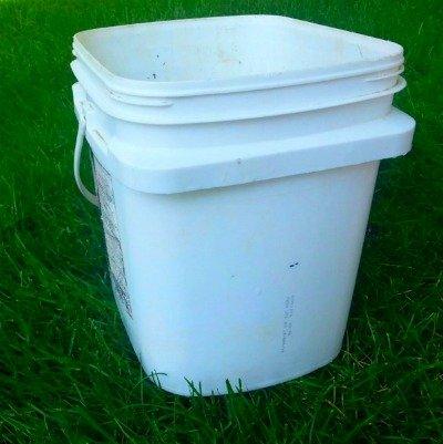 frosting bucket