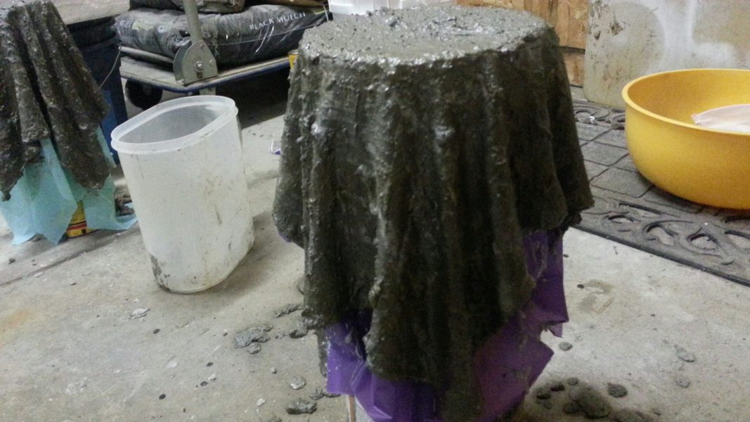 Video making the draped hypertufa planter so easy - Cloth cement plant pots ...