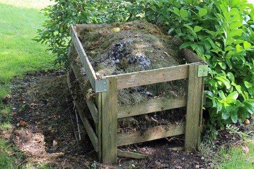 compost-pile-hypertufa-gardener