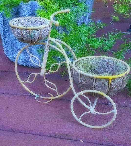 Tiny Bike Tufa - The Hypertufa Gardener