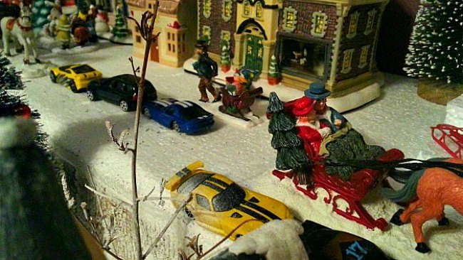 Christmas Village Houses with Jacob's Cars - The Hypertufa Gardener