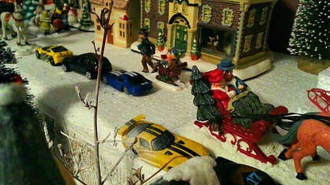 Christmas Village Houses with Jacob's Cars - The Hypertufa Gardener