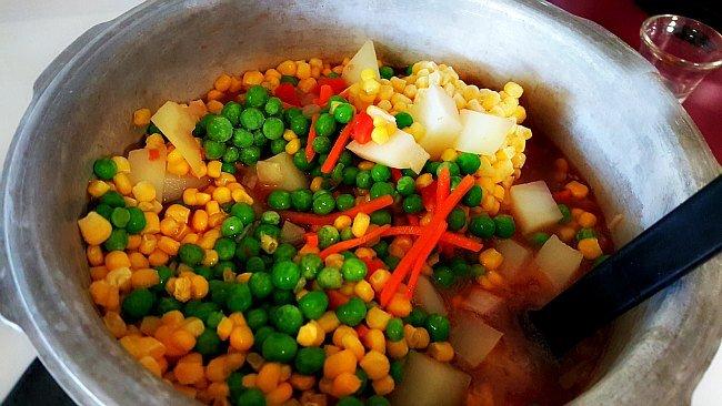 Veggies in the Pot - Quick Beef Stew - The Hypertufa Gardener