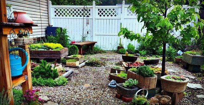 Kim's Gardens of Hypertufa - The Hypertufa Gardener