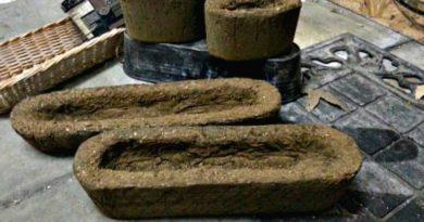 Making small hypertufa pots 2