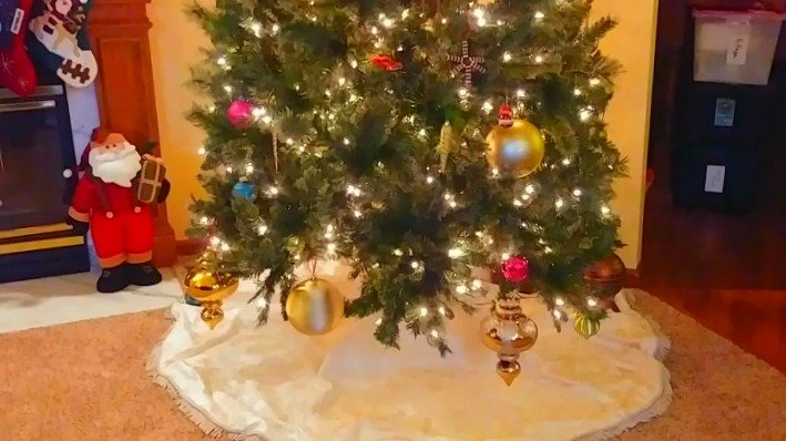 Keep unpacking those Christmas decorations