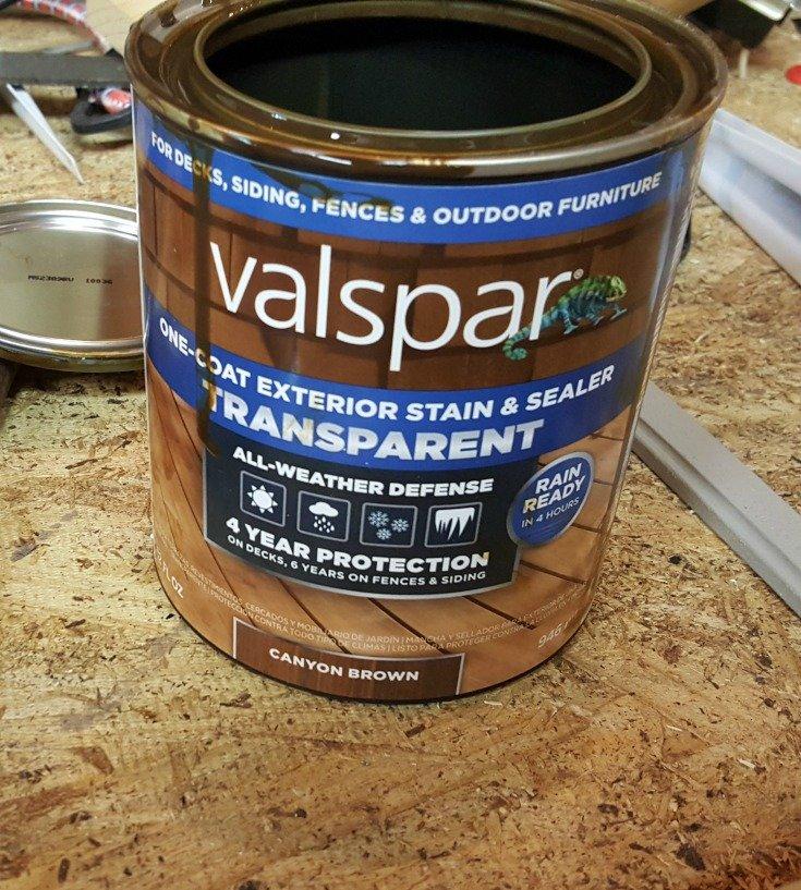image of quart of valspar stain and sealer